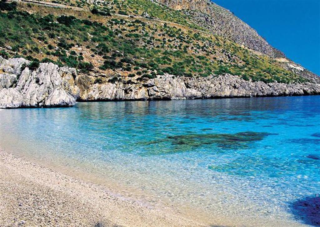 Castellammare del Golfo, Plaże La Playa, Scopello i Guidaloca