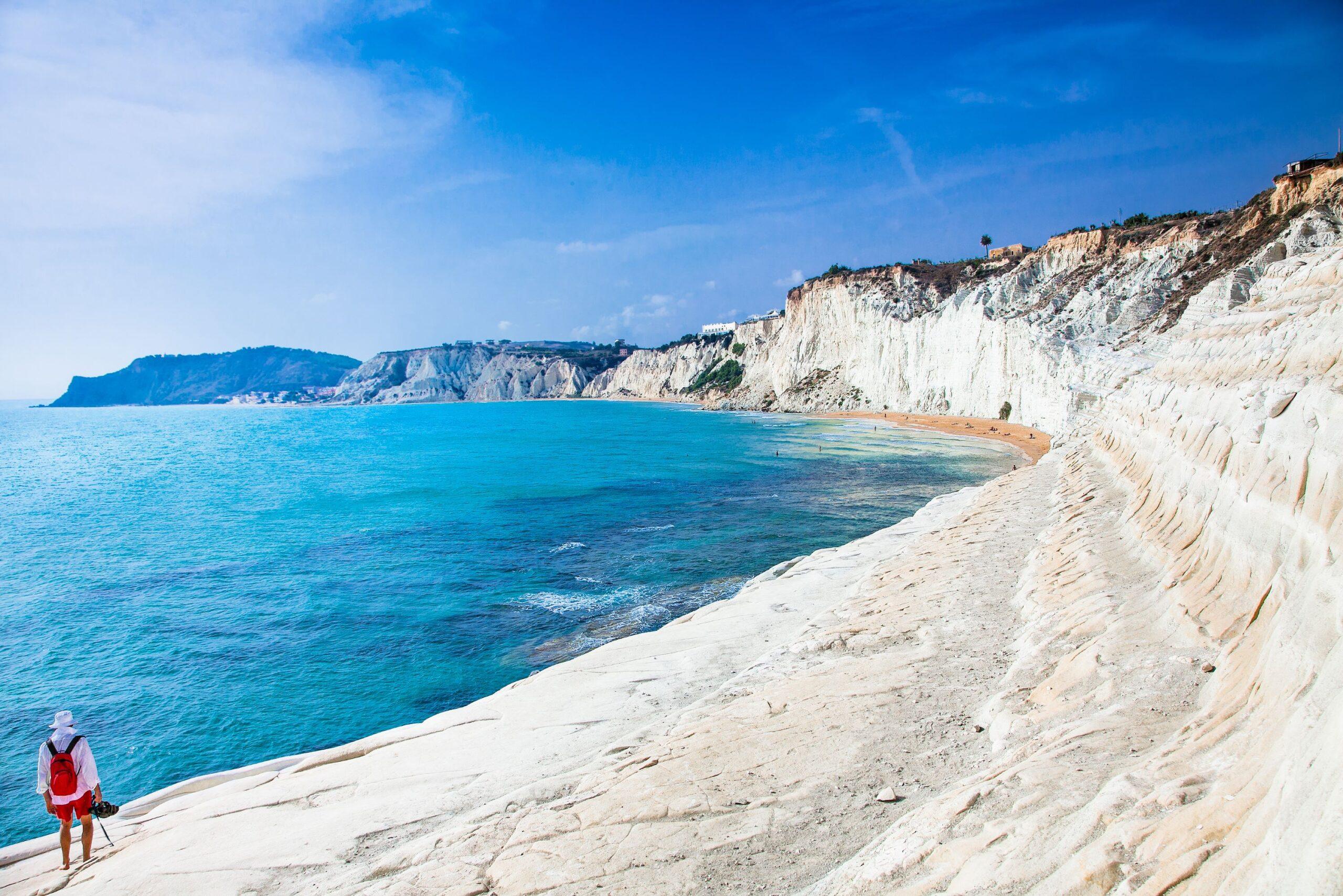 Biała plaża. Scala dei Turchi na Sycylii, Włochy., licencja: shutterstock/By Aleksandar Todorovic