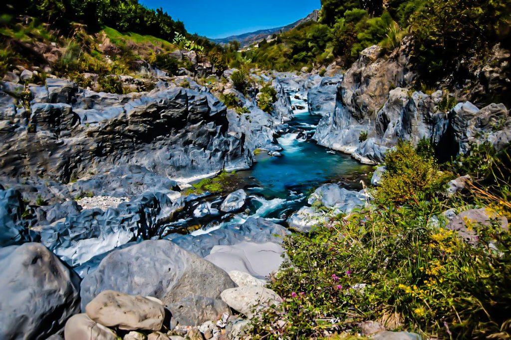 Przyroda-Wąwóz Alcantara