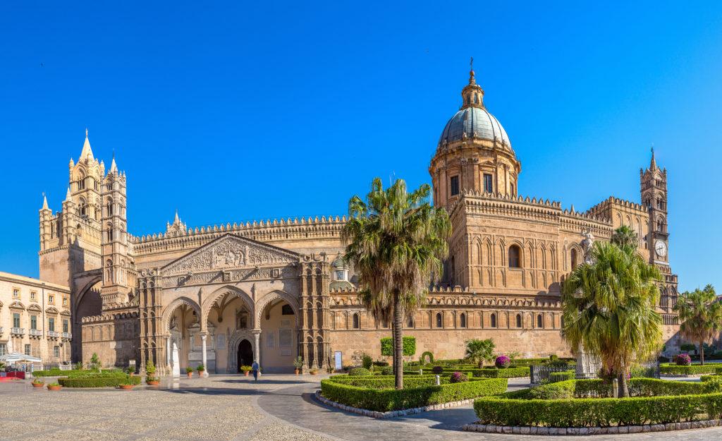 Katedra w Palermo w Palermo, Włochy w piękny letni dzień