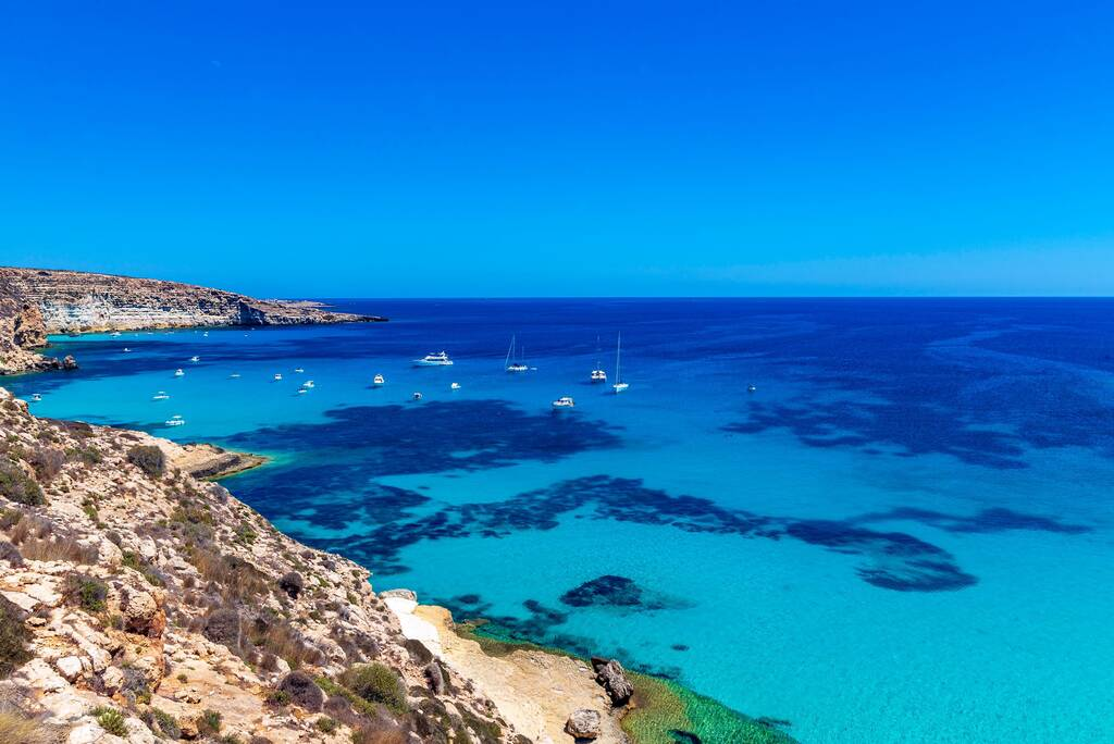 """view of """"the tobacconist"""" Lampedusa"""